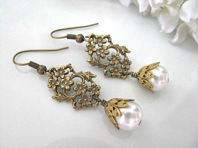 Vintage Style Br Daisy And Leaf Filigree With White Gl Pearls Bridal Earrings Jewelry Wedding Bridesmaid